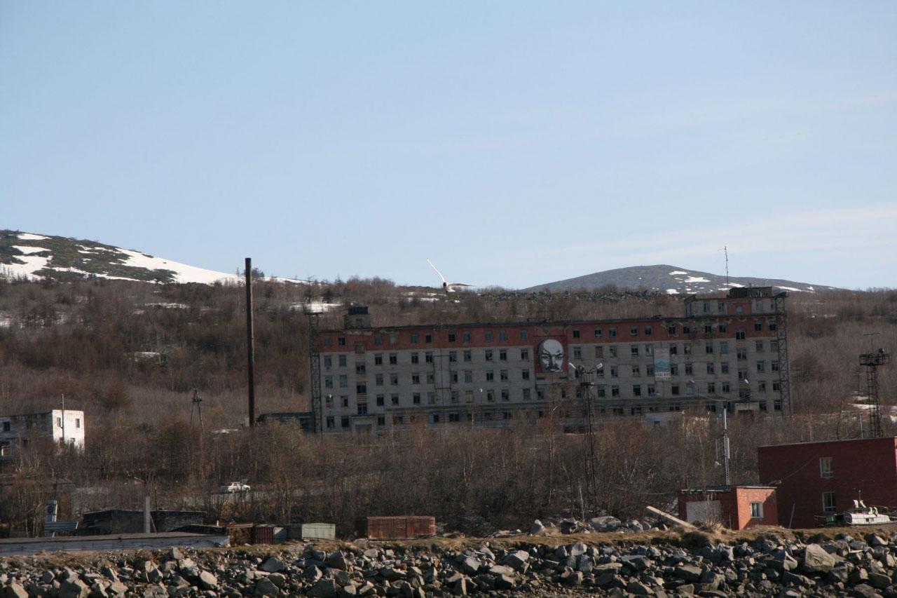 5-этажное здание, в котором располагались экипажи и штаб бригады