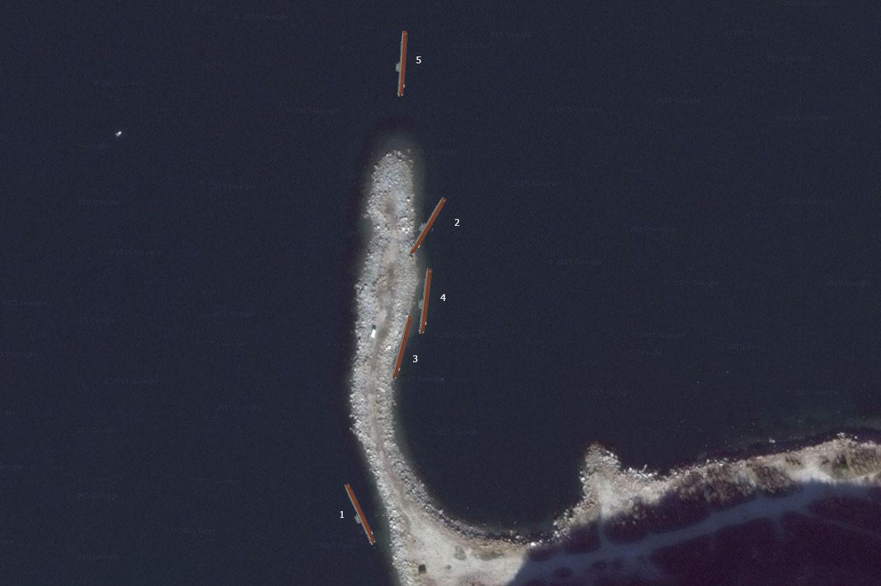 Примерное расположение затопленных подводных лодок 171 ОБрПЛ у недостроенного пирса АПЛ