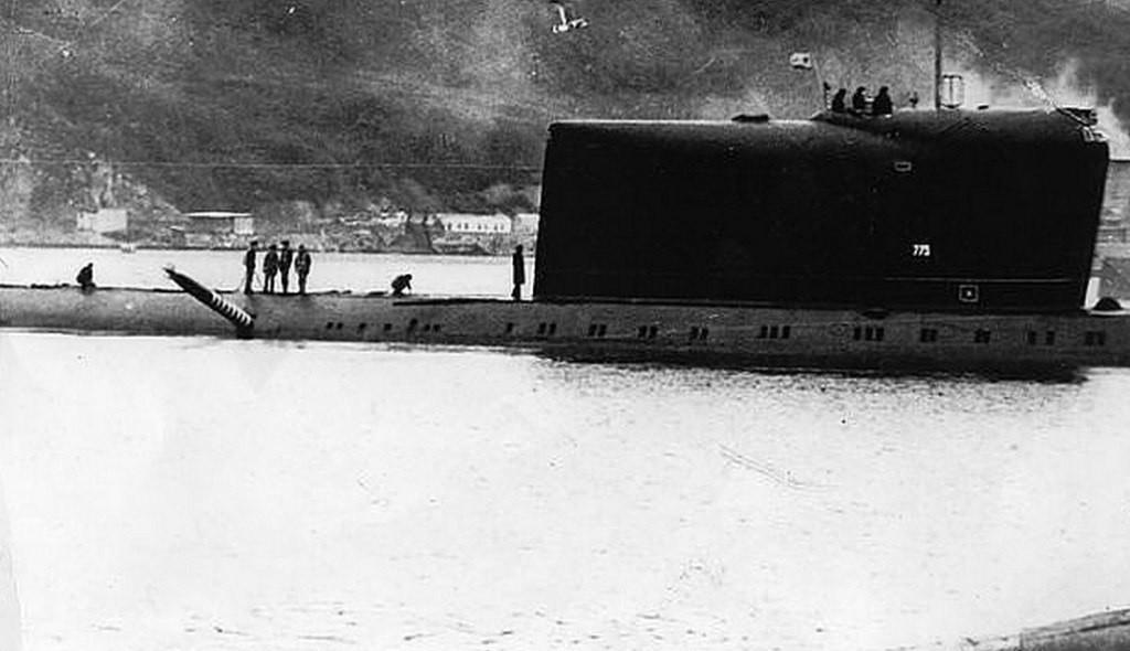 Учения на КТОФ. Октябрь 1989 года. Учебная торпеда в борту К-178.