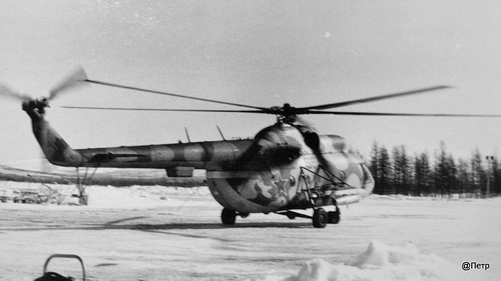 Пограничный Ми-8 идет на взлет