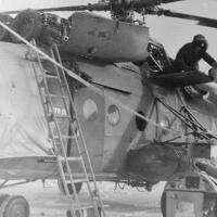 Ми-8 пограничников на Соколе. Зима в разгаре. Прогрев двигателя..