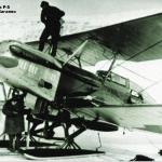 Заправка Р-5 в бухте Нагаева. 1935 год