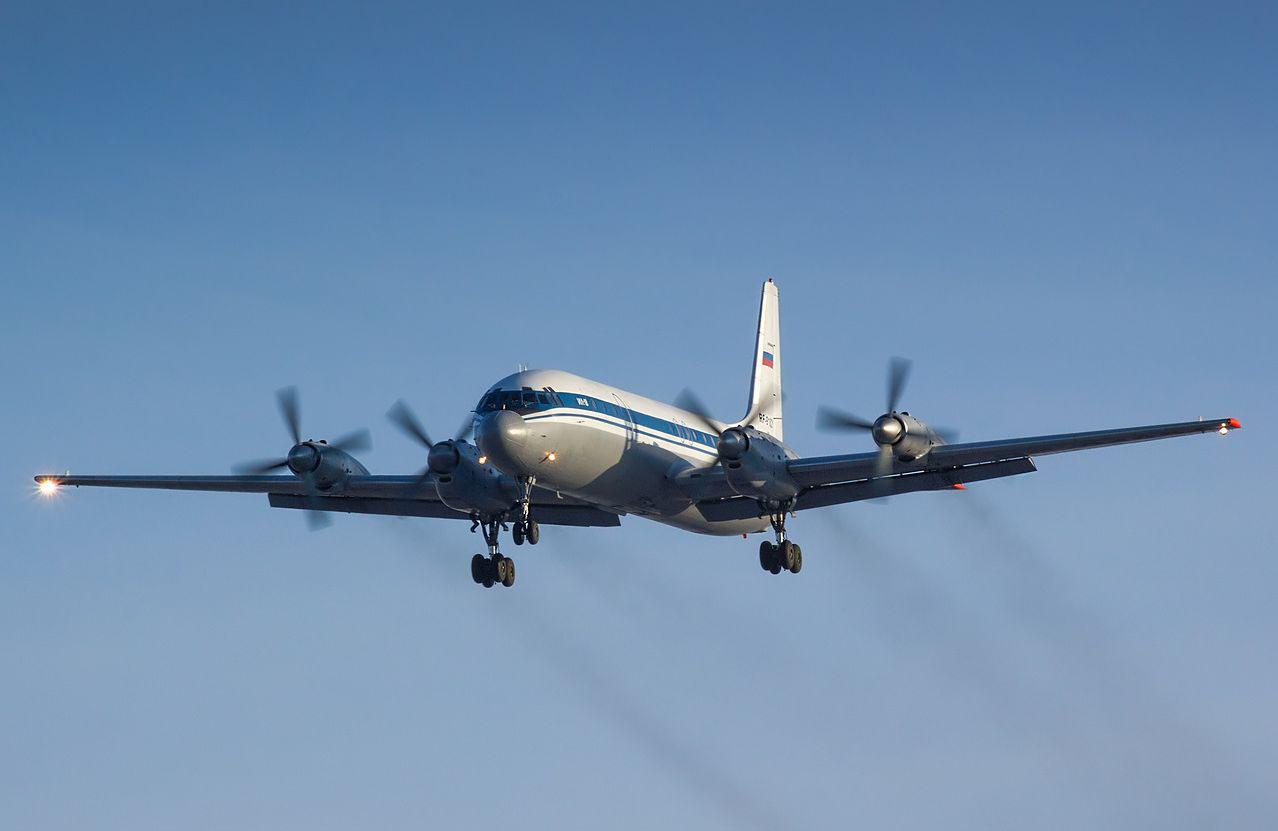 Ил-18 — пассажирский самолёт для авиалиний средней протяжённости, выполненный по схеме четырёхмоторного турбовинтового низкоплана с однокилевым оперением. Один из первых советских турбовинтовых лайнеров.