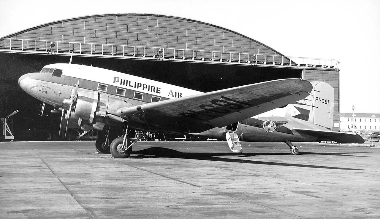 Douglas_DC-3.