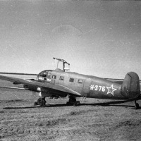 «Зибель» Si-204D - трофейный немецкий легкий транспортный самолет, с надписью «АВИААРКТИКА» на борту.
