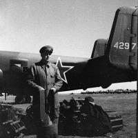 Советские авиабомбы калибра до 100 кг включительно можно было подвешивать на держатели американских бомбардировщиков без всяких проблем. На фото - фугасная «сотка» ФАБ-100сл обр. 1941 г.