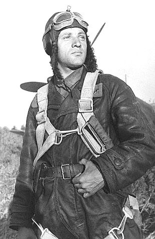 А.А. Липилин служил в 3-м перегоночном полку, обслуживавший участок трассы от Сеймчана до Якутска