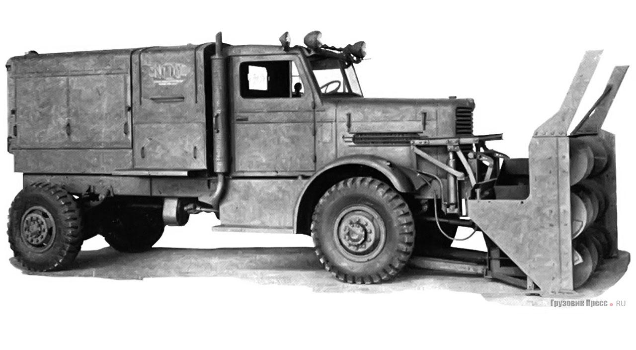 Снегоочиститель Snogo на шасси Oshkosh серии W-700, 1943 год