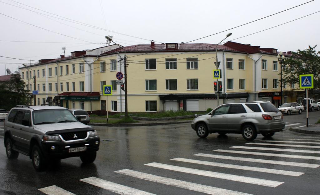 Дом, в котором Куваев жил в Магадане.
