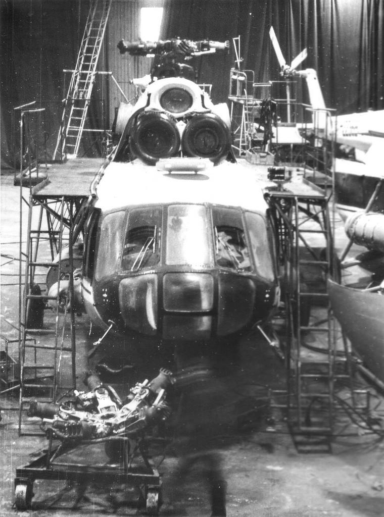 Участок сборки вертолётов Ми-8, 1981 год.