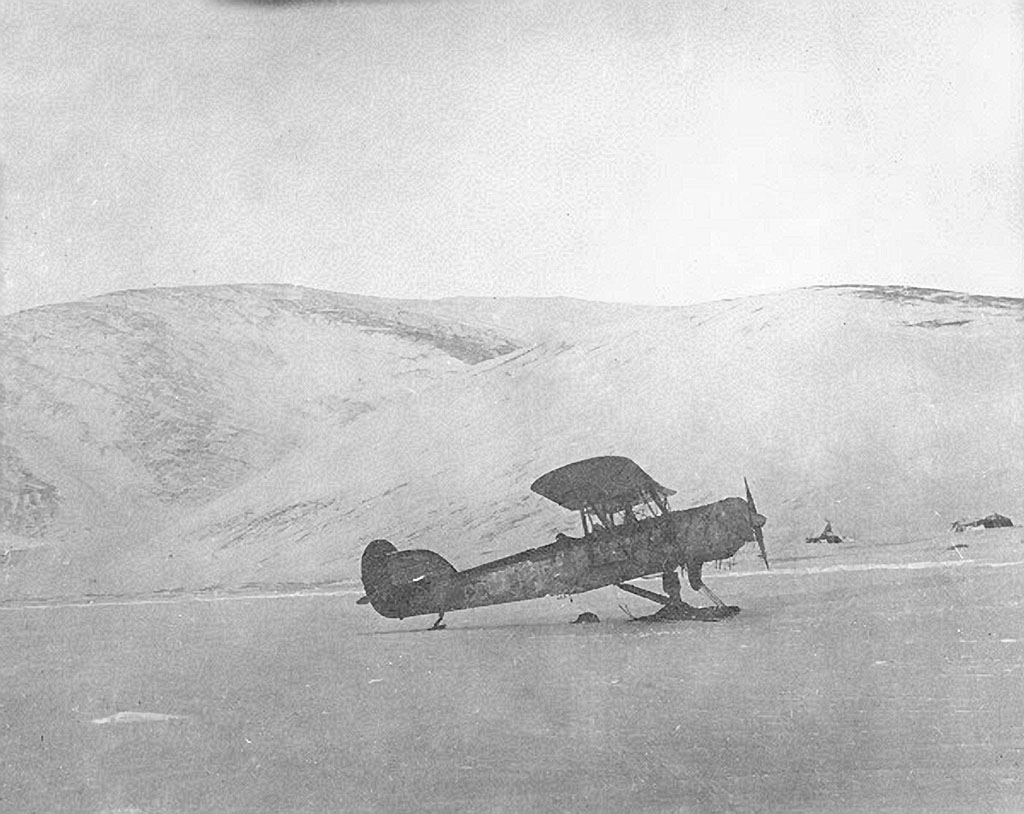 Р-5 на аэродроме Амбарчик.