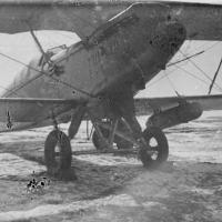 Советский самолет Р-5 в модификации «лимузин» (обозначение варианта с закрытой кабиной).
