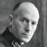 Флаг-штурман  авиаотряда  треста «Дальстрой» Михаил Дмитриевич Меньшиков