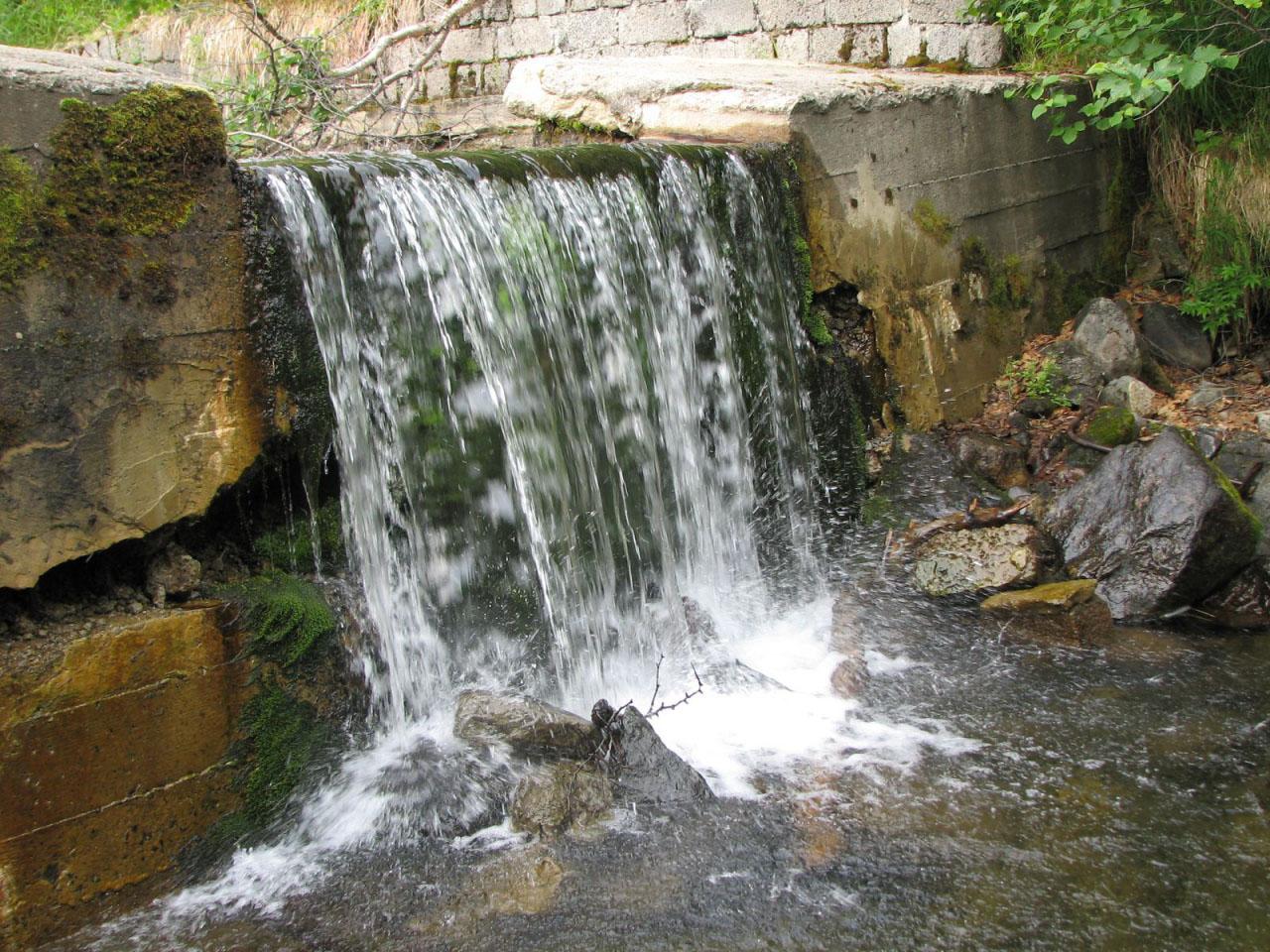 Заборник пресной воды на ручье Холодном.