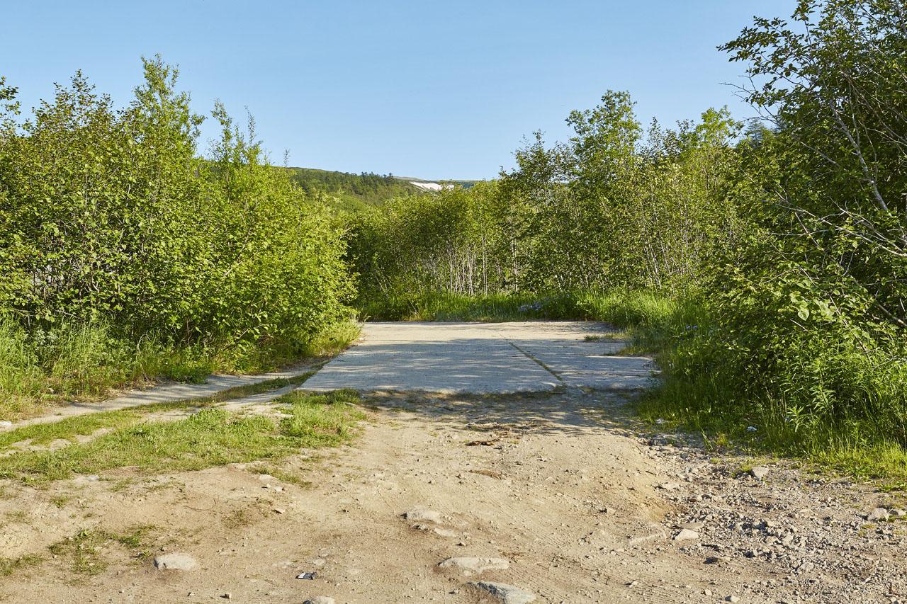 Эта дорога вела к хранилищам ГСМ.