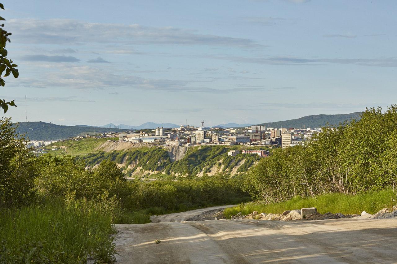 Дорога от «Пентагона» к бывшей базе КТОФ. Снимок сделан в сторону города.
