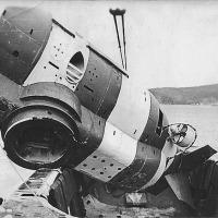 Авария СПС, заклинило правый задний захват (виден) при отстыковке под водой 1977, аварийное всплытие и до ближайшей базы. Фото А. Сидорова.