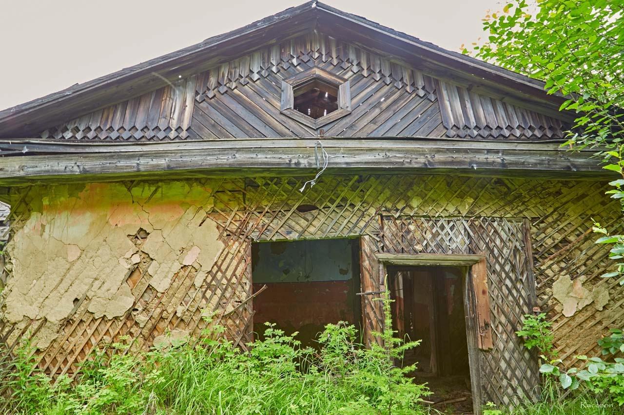 Клуб в посёлке имени Чапаева.