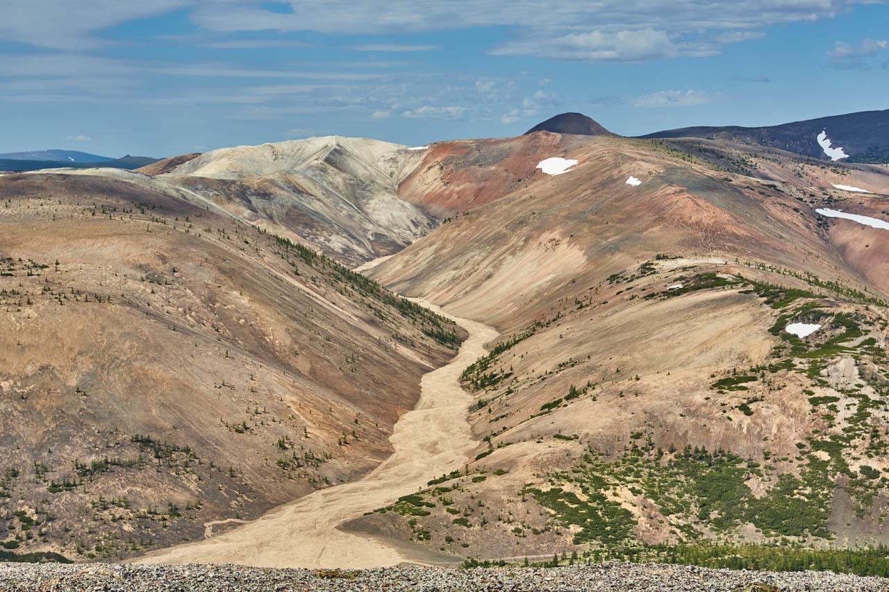 Вид с вершины «оловянной» горы. Хета. Июль 2017 года.