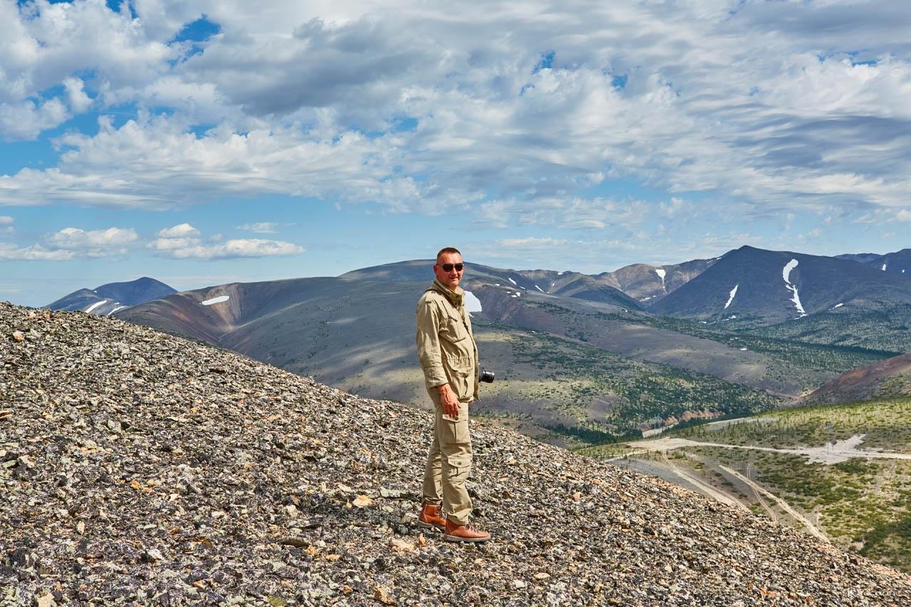 Евгений Радченко на вершине «оловянной» горы. Хета. Июль 2017 года.