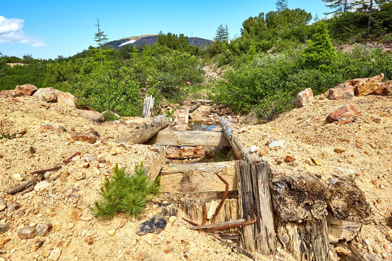 Здесь проходил транспортёр. Рудник Хета. Июль 2017 года.