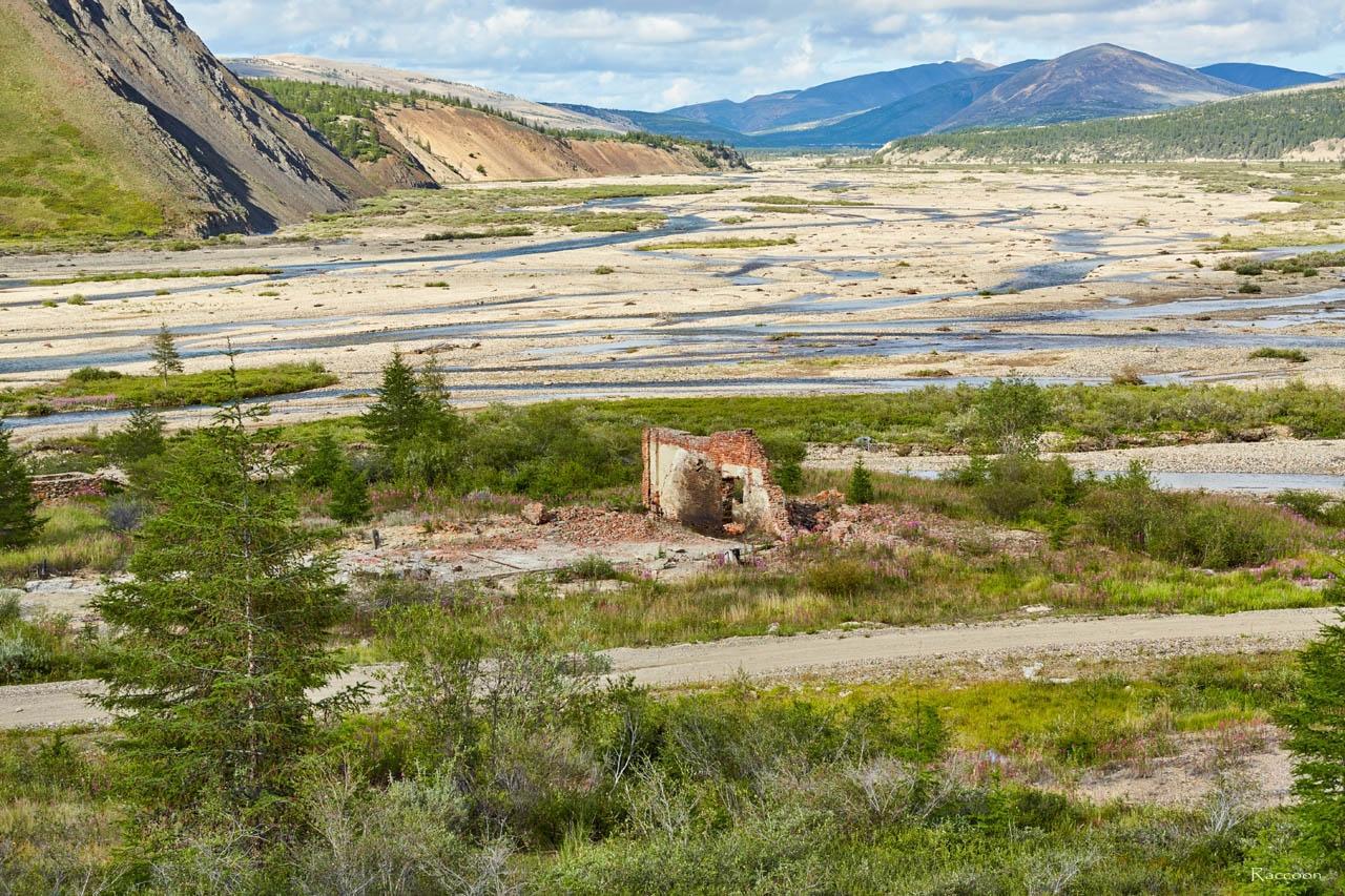 Долина реки Правая Хета. Здесь располагался прииск Хета. Июль 2016 года.