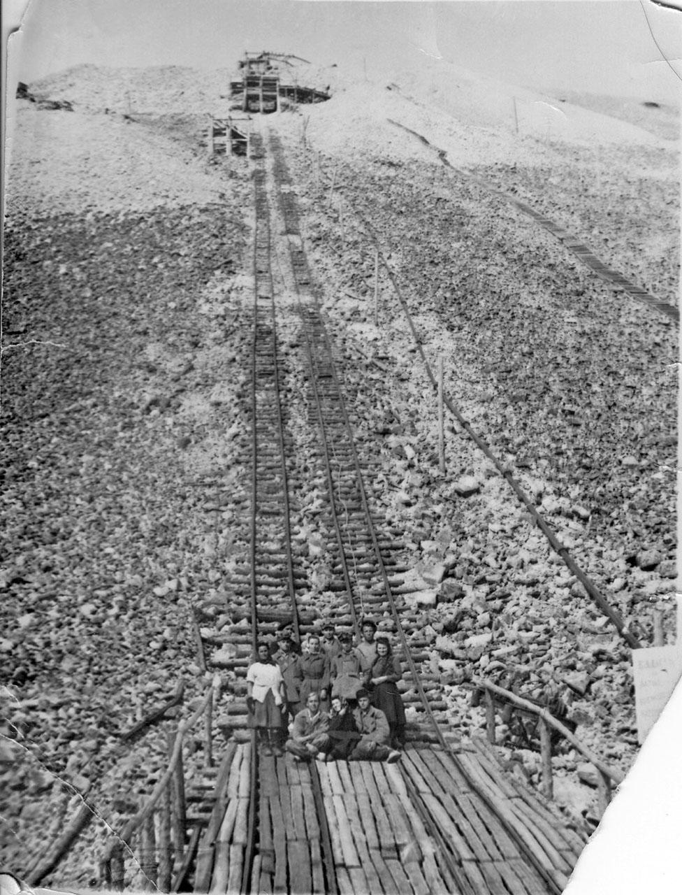Бремсберг рудника Хениканджа. 50-е годы ХХ-го века.
