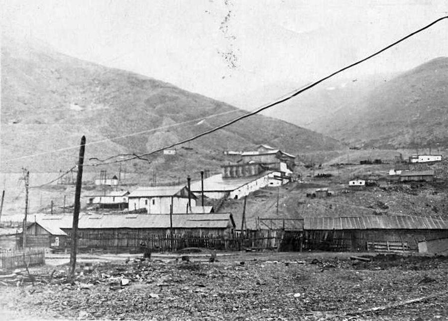 Обогатительная фабрика рудника Хениканджа. 50-е годы ХХ-го века.