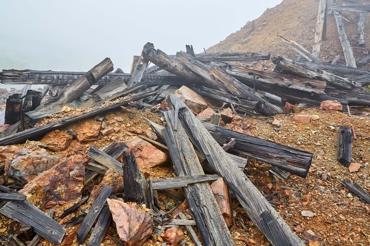 Остатки от обогатительной фабрики. Рудник Кинжал. 2017 год.