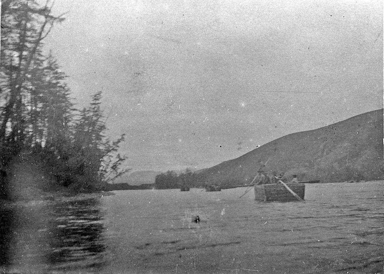 Кунгасы на реке. 30-е годы.