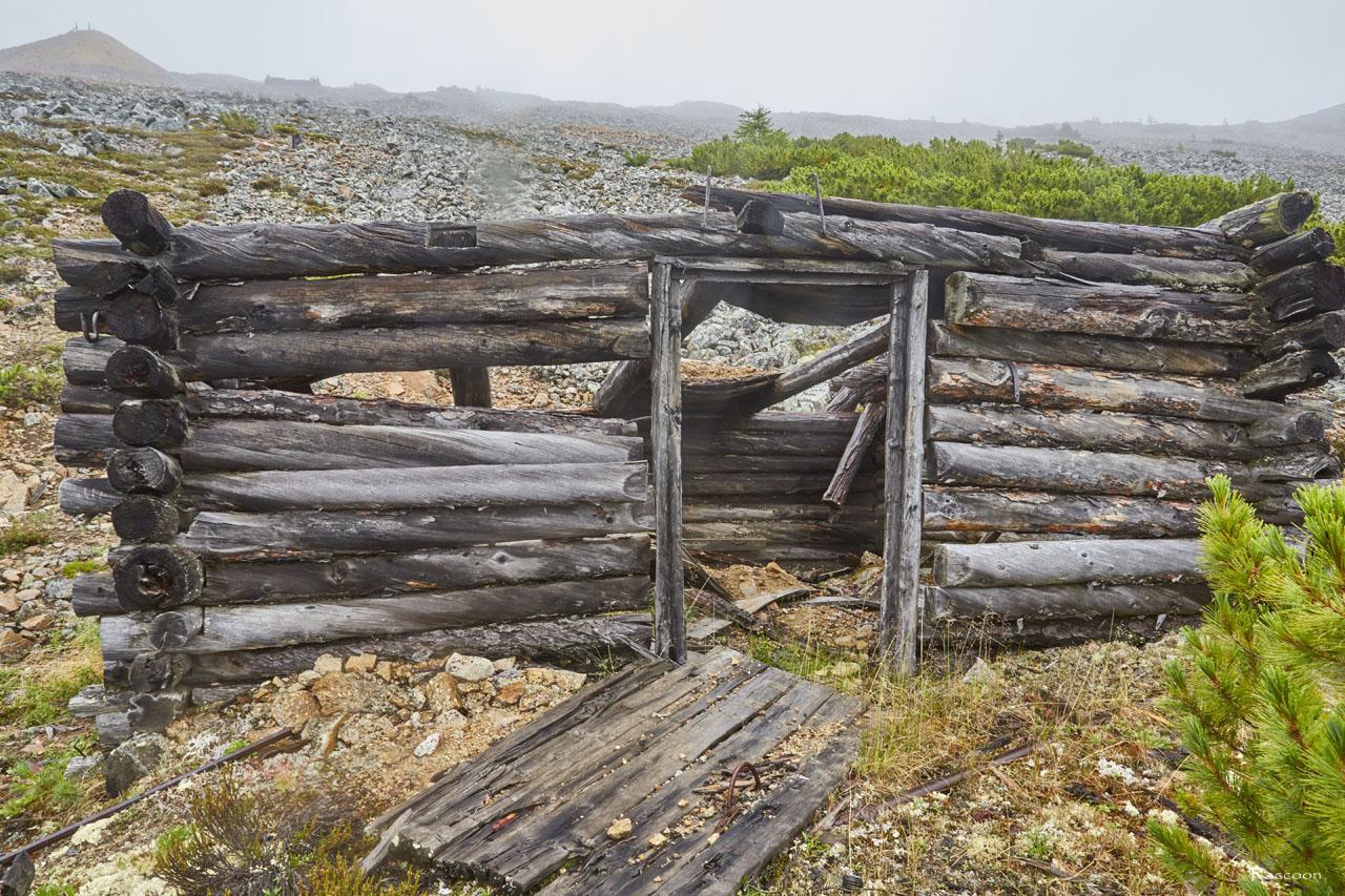 Вид на строение со стороны распадка. Рудник «Сталинградец».