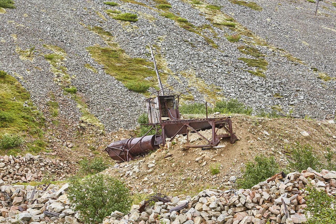 Промприбор старателей в долине ручья Эдванс.