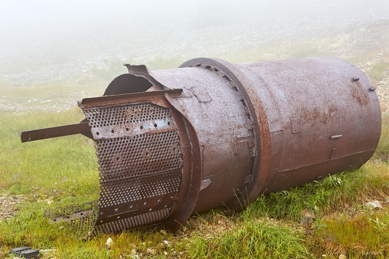 Бочка от скруббер-бутары на Урчанском перевале. 2018 год.