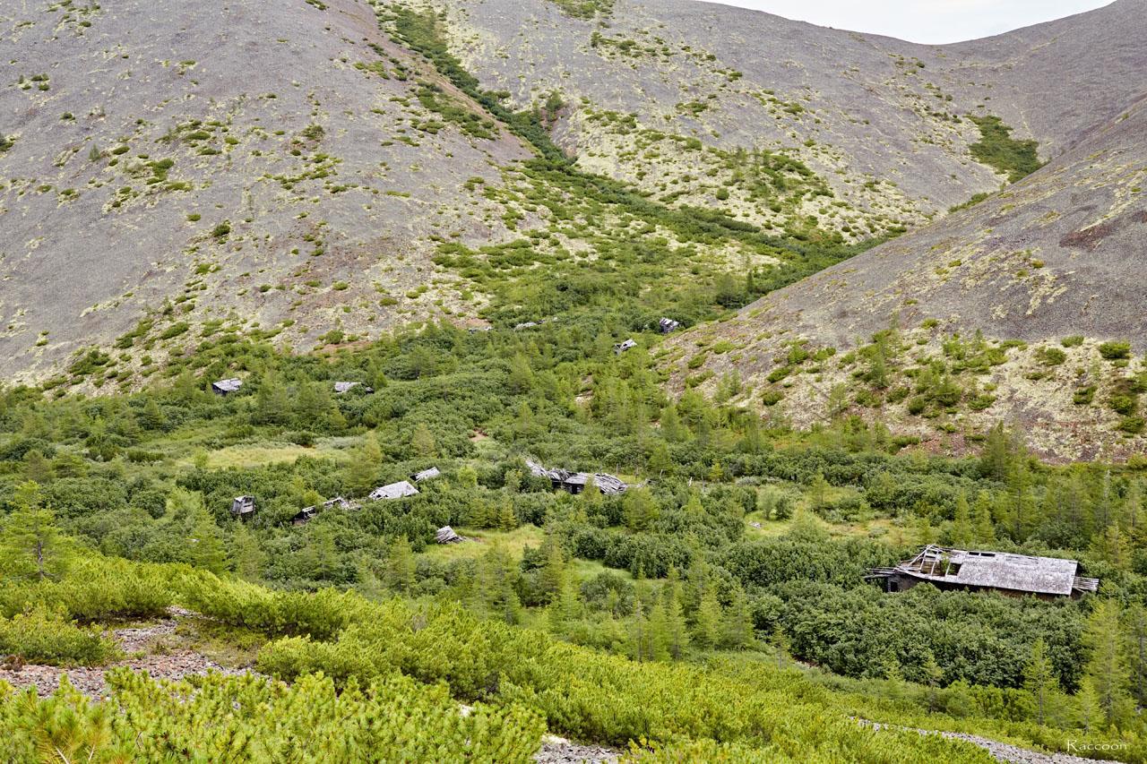 Развалины ОЛП № 15 «Урчанский» в долине реки Эдванс.