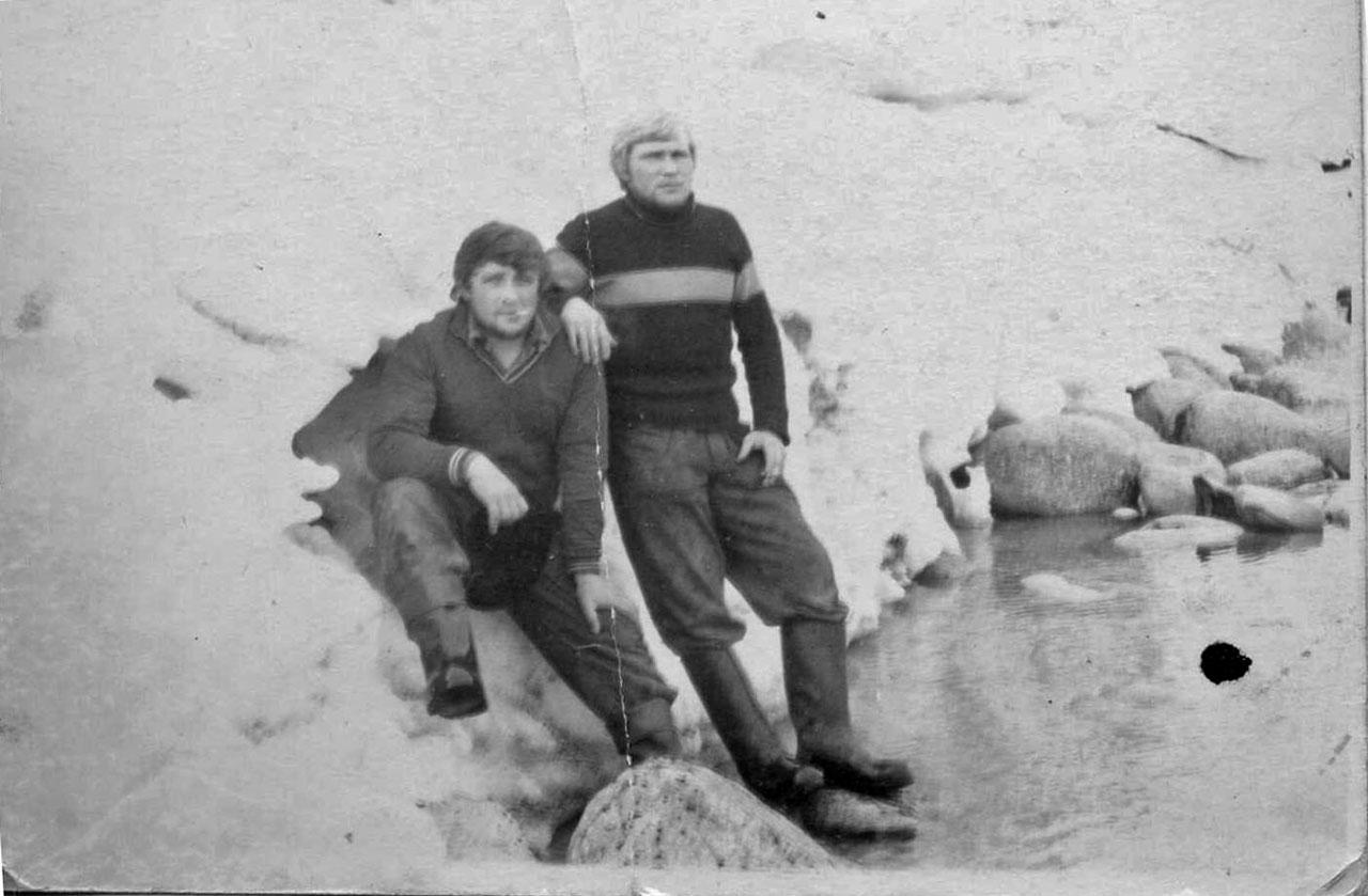 Я и мой друг Сергей на припае. Весна 1973 года.