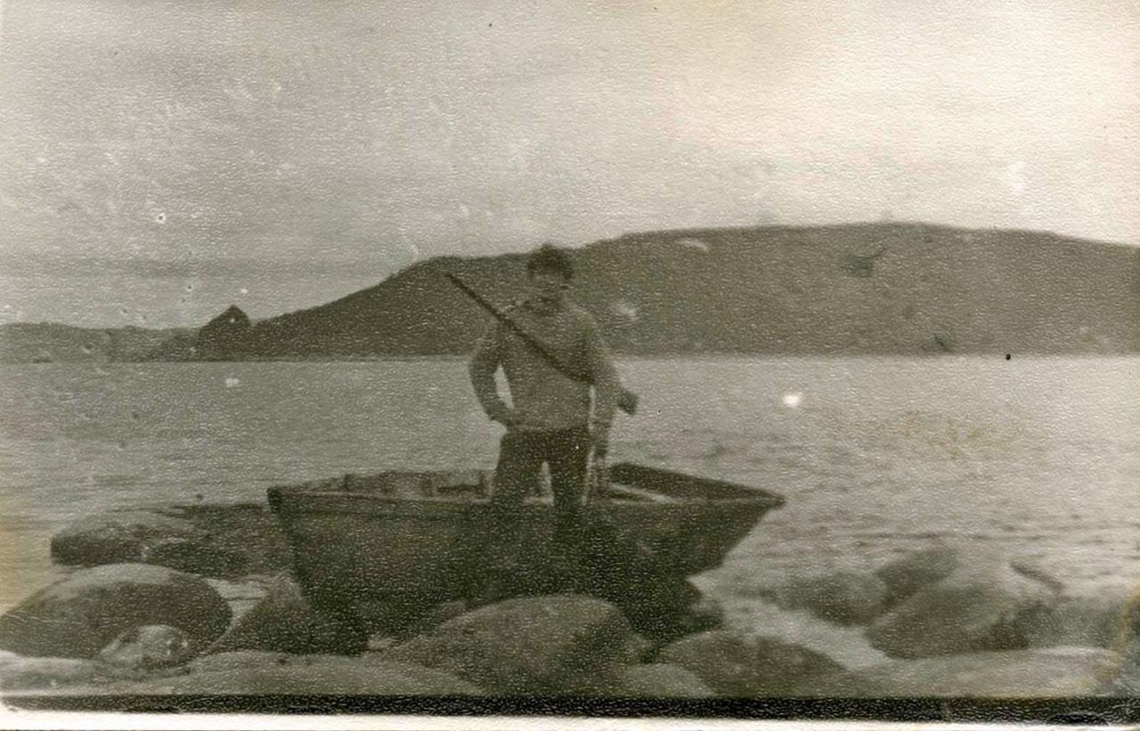 Наш друган, абориген острова Васька. Хозяин и друг своего кота Василия.