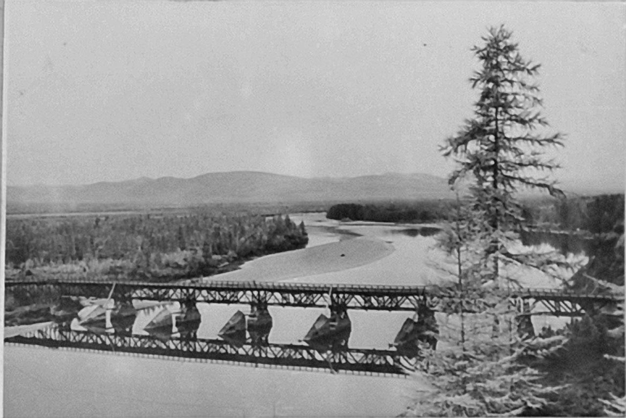 Мост через реку Кулу.