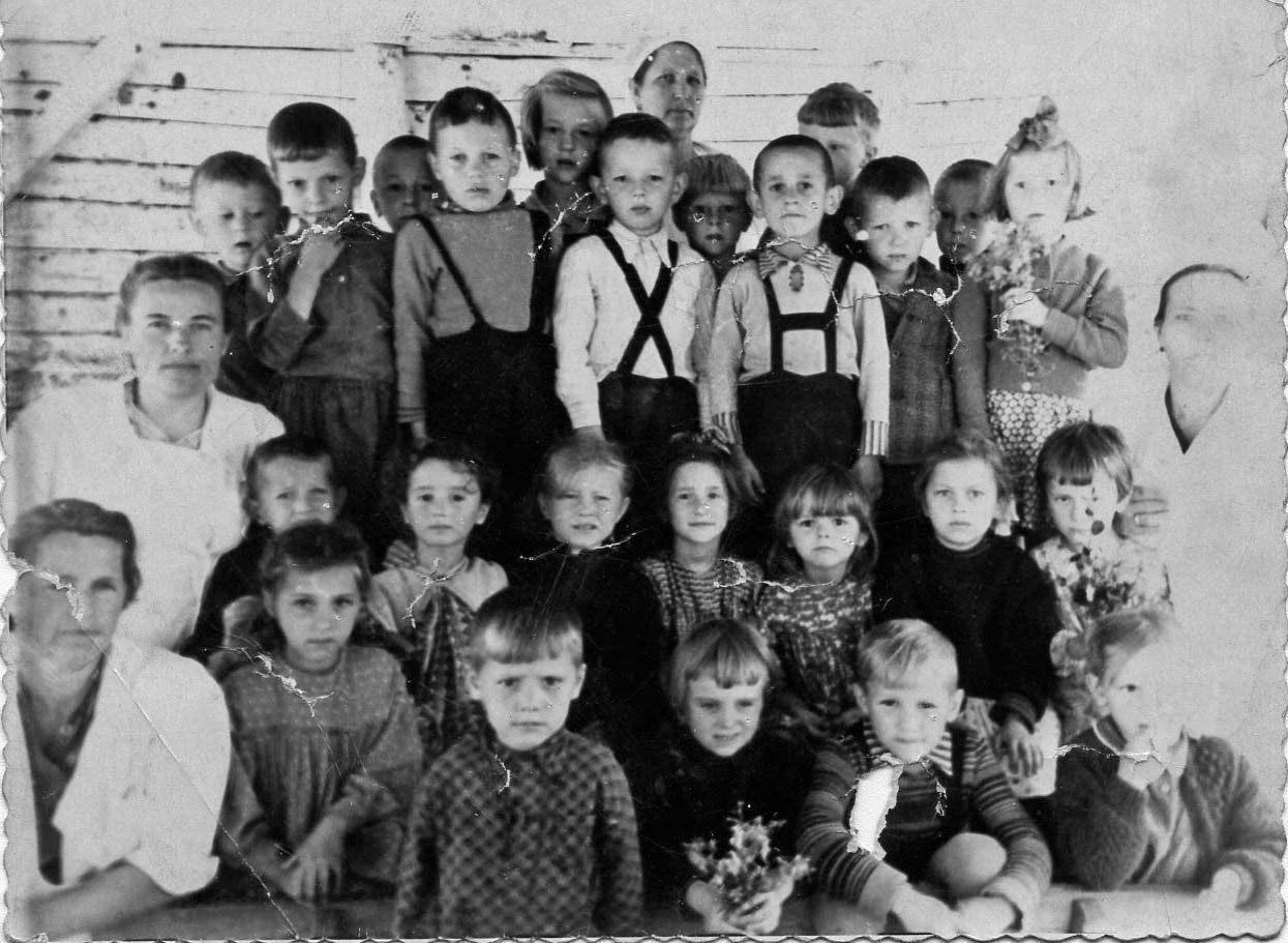 Посёлок Мякит. Детский сад 1951 год.