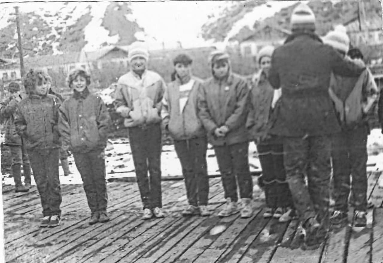 Посёлок Мякит. Подготовка к пробегу Мякит-Поворотный, посвященному 44-й годовщине Великой Отечественной войны.