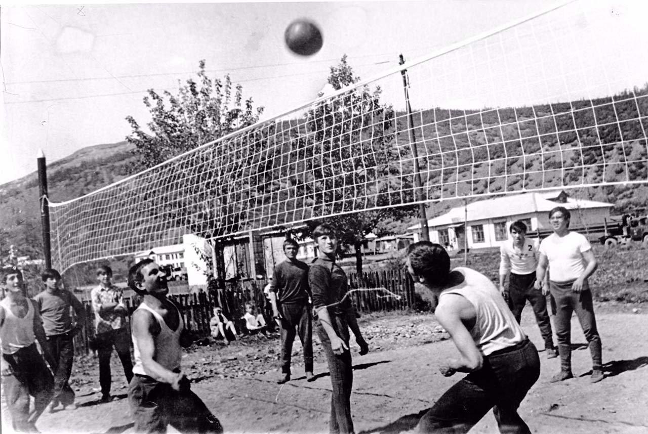 Посёлок Мякит. Волейбольные баталии.