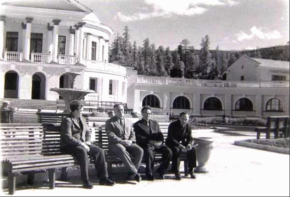 Талая. Площадь с фонтаном.