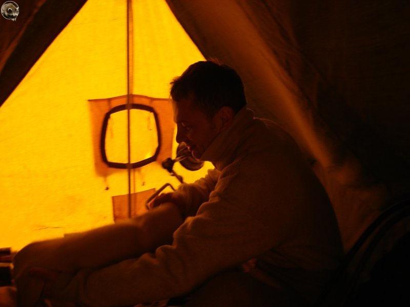 Первое погружение - одеваемся в палатке.
