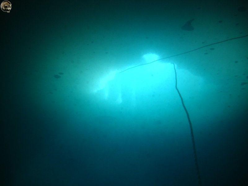 Вид на майну из под воды.