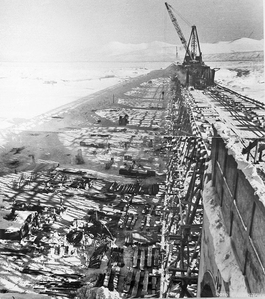 Цех на льду. Реконструкция моста через Колыму. 1953 год