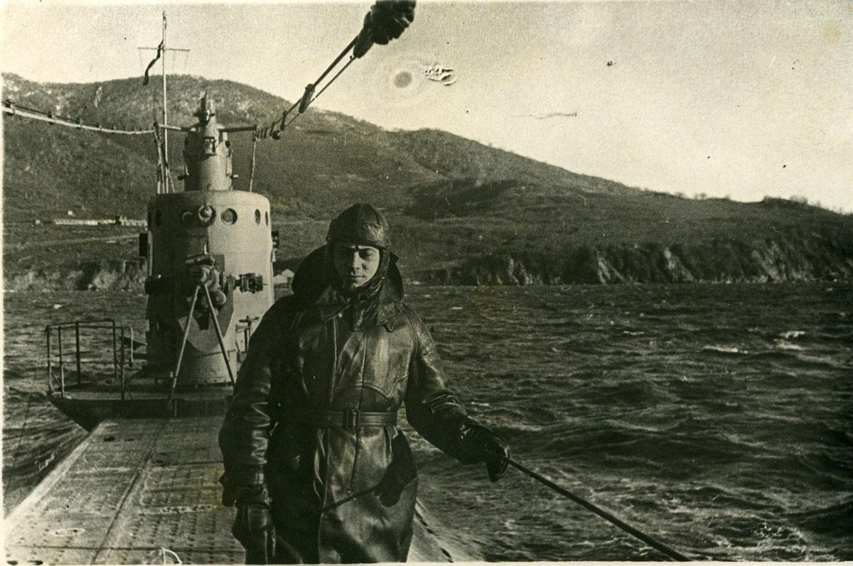 Помощник командира «Л-12» старший лейтенант Кучер А.Т., 1 ноября 1940 года. Авачинская бухта, Петропавловск-Камчатский.