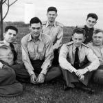 Подполковник М.Н. Чибисов (крайний слева), переводчик Г. Гагарин и офицеры группы спецназначения в США.