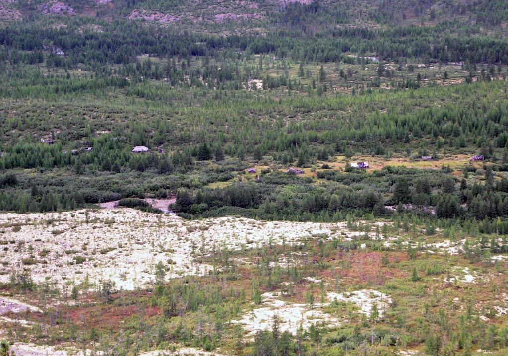 Вид на посёлок с соседней сопки. Из архива Андрея Лисицкого.