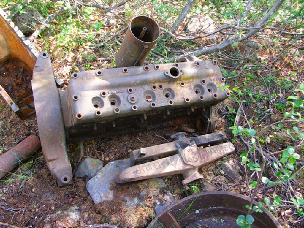 Разобранный двигатель от«Студебеккера».Из архива Андрея Лисицкого.