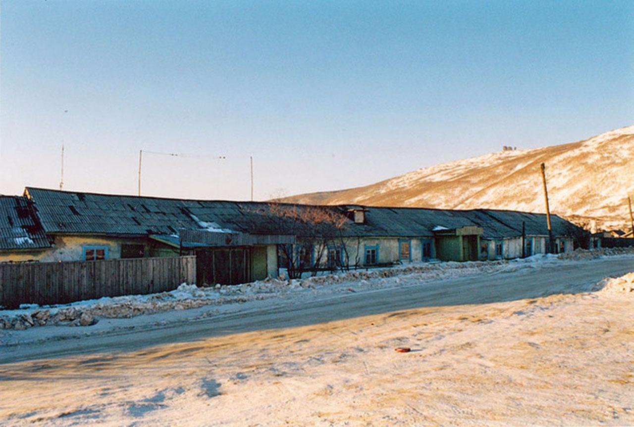 Восточно-Эвенская (Нагаевская) культбаза. 3 дома культбазы, объединенные в барак. В 80-х годах здесь была контора рыбкоопа.