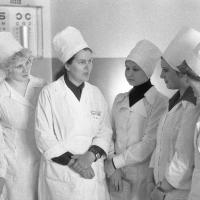 Группа врачей, в центре - В.И.Соколянская